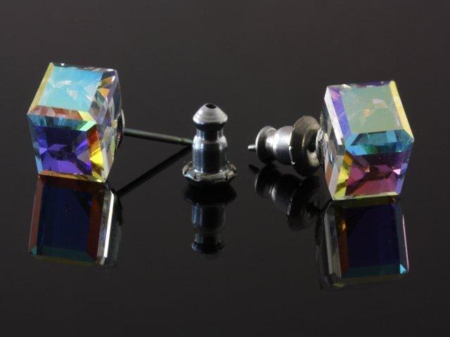 ab0189f97 Swarovski Náušnice v tvare väčšej kocky, farba: AB crystal - eŠperky.sk
